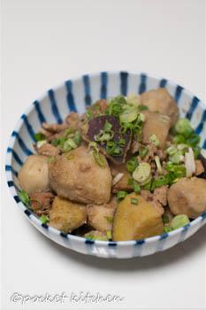 里芋とサツマイモのゴマ煮