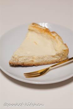 フライパンチーズケーキ